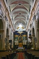 Interior iglesia San Miguel de la Roca Cracovia