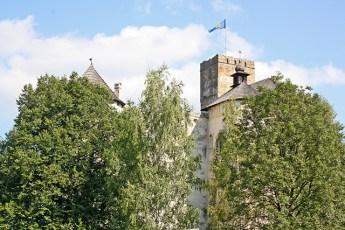 Castillo torre bandera Parque Nacional Dunajec Polonia