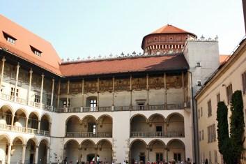 Plaza interior castillo Wawel Cracovia