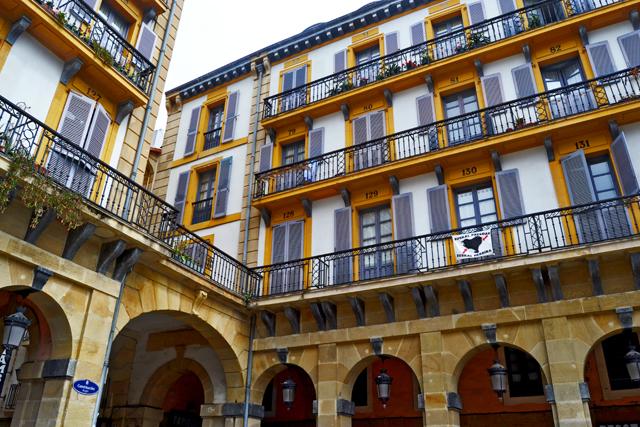 Edificios neoclásicos Plaza Constitución San Sebastián Guipozkoa