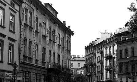 Vistas centro histórico arquitectura Cracovia blanco y negro