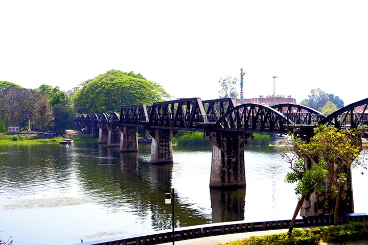Puente sobre el río Khwae Kanchanaburi