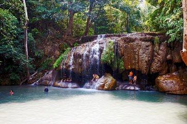 Vistas baño Parque Nacional Cascadas Erawan Tailandia