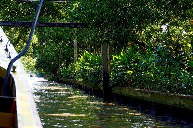 Long tail boat canales Damnoen Saduak