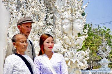 Familia Vietnam Templo Blanco Chiang Rai