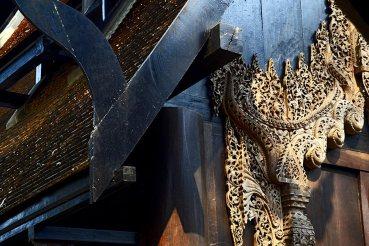 Celosías estuco y madera de teca Templo Blanco Chiang Rai
