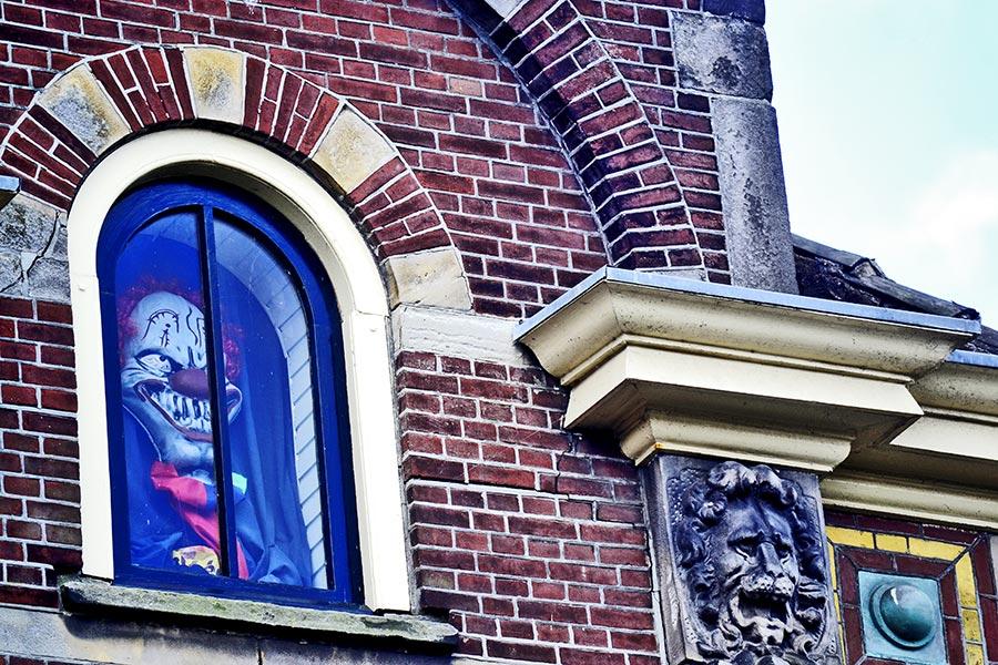 Payaso ventana edificio Alkmaar