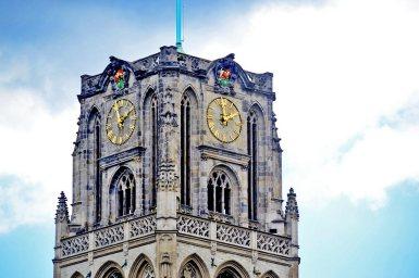 Torre reloj gótica Iglesia San Lorenzo Rotterdam