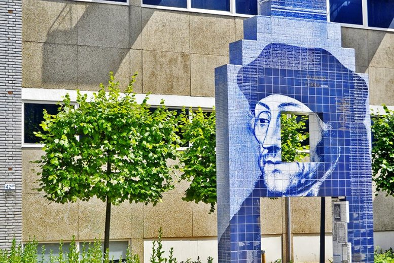 Mural azulejo azul Erasmo de Rotterdam
