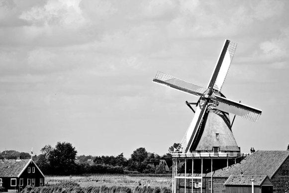 Molino paisaje Zaanse Schans blanco y negro