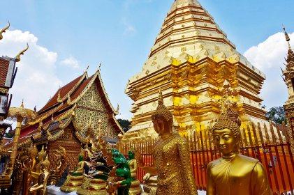 Budas decoración esculturas oro chedi Doi Suthep Chiang Mai