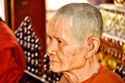 Cara monje budista cera Chiang Mai