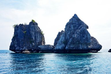 Grandes rocas aguas cristalinas 4 islands Krabi