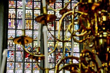 Vidrieras detalle color candelabro lámpara Nieuwe Kerk Amsterdam