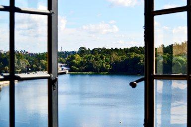 Ventanas abiertas habitación Palacio Real Drottningholm Suecia