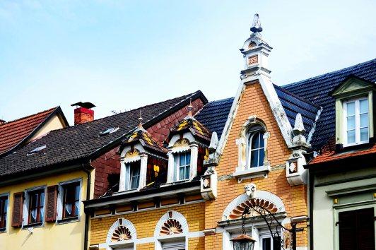 Fachadas medievales barroco alemán buhardillas Gengenbach Selva Negra Alemania