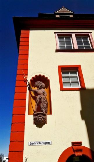 Escultura medieval figura fachada Bruderschaftsgasee Rottweil