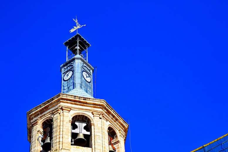 Detalle torre reloj campanario Iglesia Nuestra Señora Asunción Valdepeñas Ciudad Real