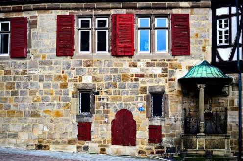 Fachada piedra ventanales medievales calles Esslingen am Neckar Alemania