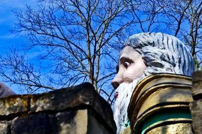 Cabeza rey Arturo cuento Märchengarten Ludwigsburg Selva Negra Alemania