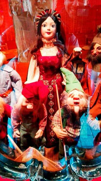 Espejo personajes cuentos Blancanieves 7 enanitos Märchengarten Alemania