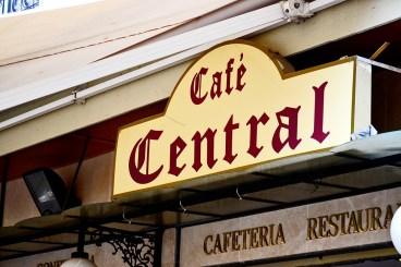 Letrero Café Central Plaza Constitución Málaga