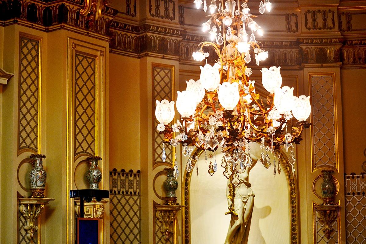 Lámpara araña luz decoración salón Casino Baden Baden Alemania