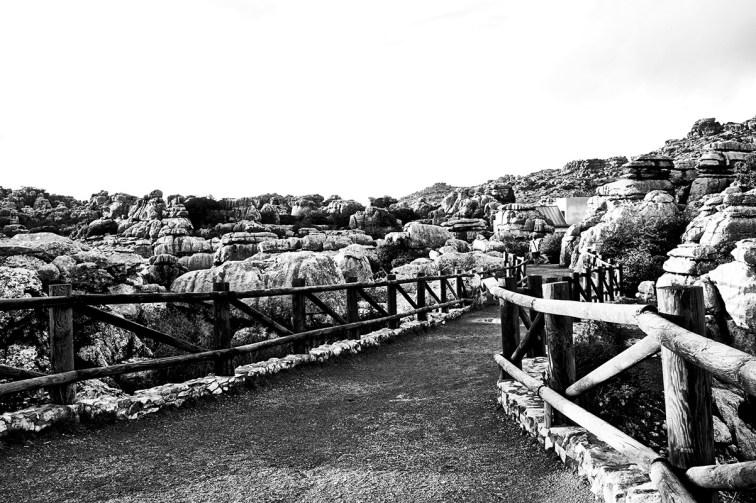Camino piedras vallas piedras El Torcal Antequera