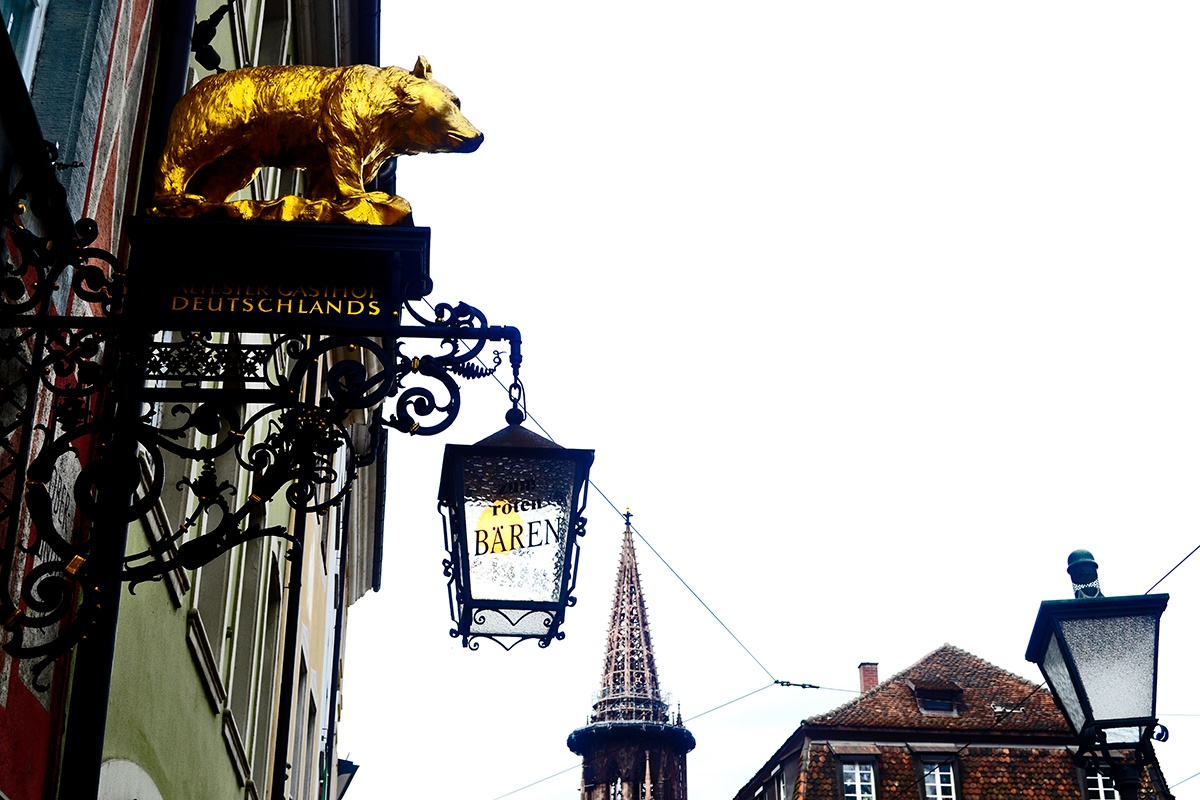 Rótulo oso oro comercio Friburgo de Brisgovia