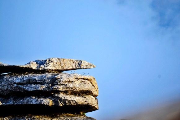 Piedras apiladas cielo El Torcal Antequera