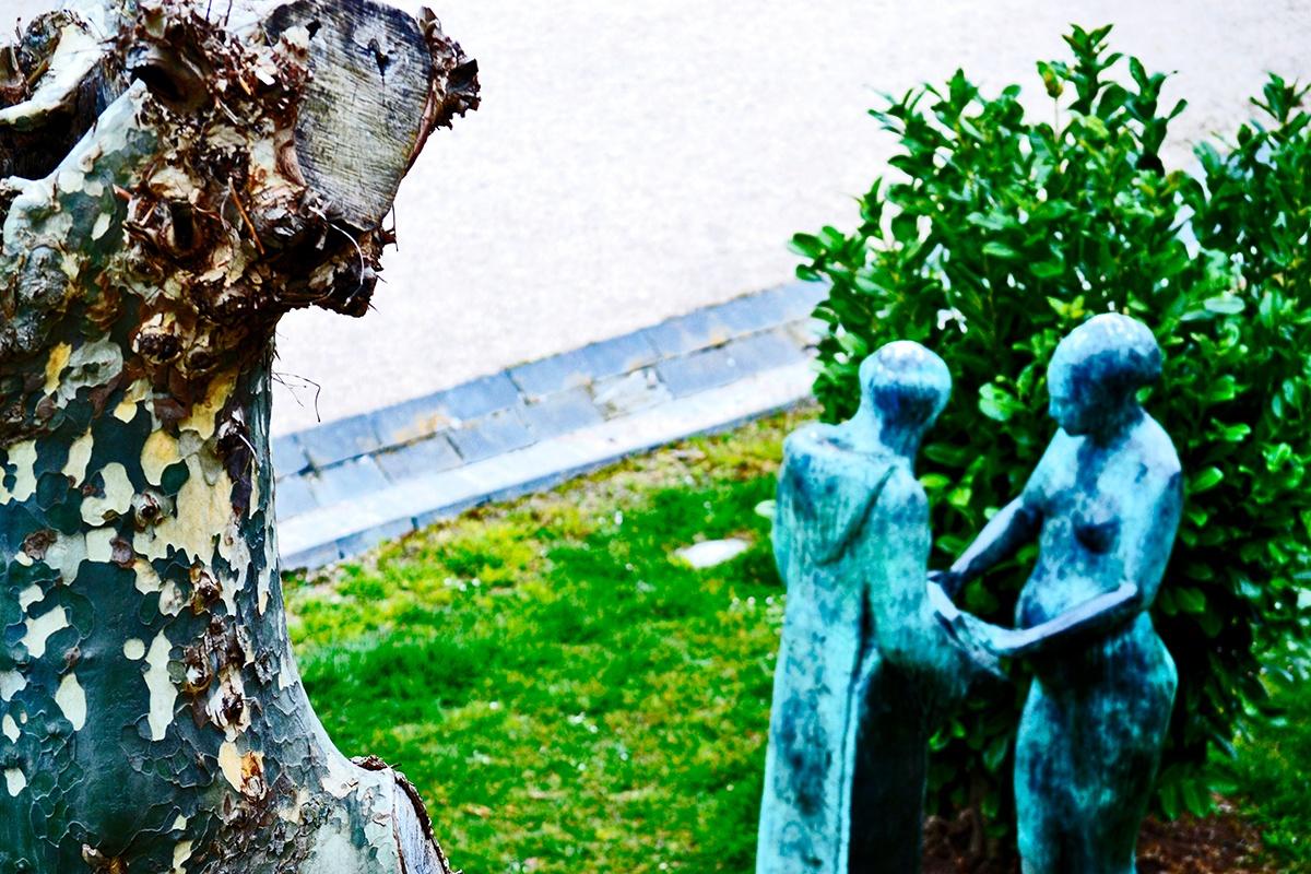 Escultura pareja Monasterio de Yuso