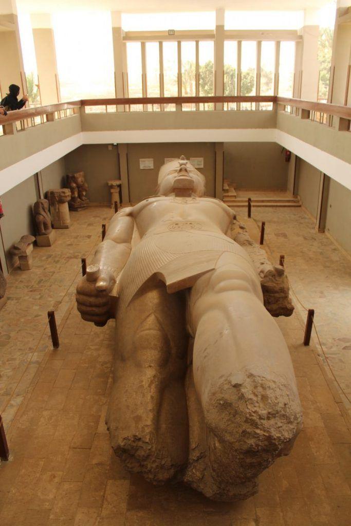 coloso Ramses Memphis