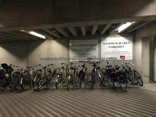 párking (?¡) de bicicletas cubierto
