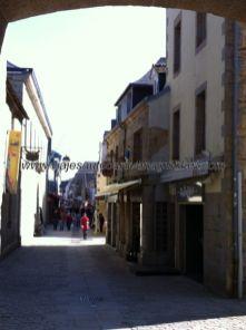 calle principal, y prácticamente única