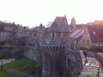 Castillo y muralla desde la ronda de guardia