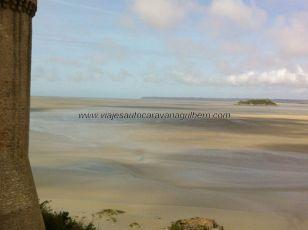 desértica imagen de la inmensa bahía en bajamar