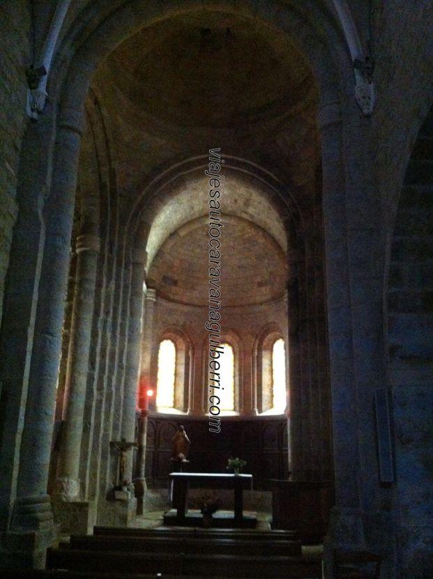 nave principal Iglesia Saint Pierre