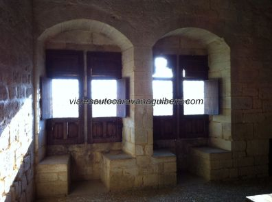 salón comedor de la familia feudal
