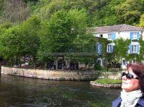 agradable terraza del hotel restaurante del molino, ubicación y entorno idílicos