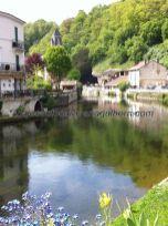 imagen del canal, desde el puente de vehículos