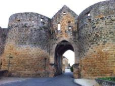 Porte des Tours, prisión de templarios, acceso principal a la bastida (por aquí sólo pueden pasar coches autorizados)