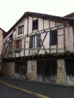 seguramente, la más antigua y típica casa del pueblo, nos traslada en el tiempo