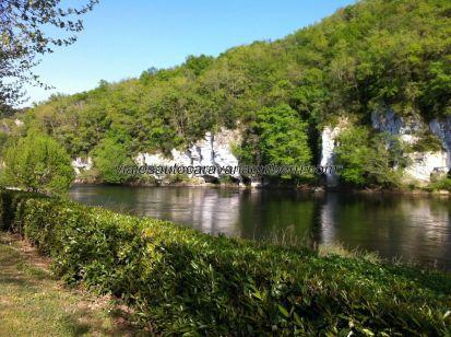 el río Dordogne visto desde nuestra parcela 'en bord de Dordogne' en el camping