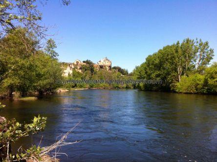 Castillo de Monfort, colgado sobre el Dordogne