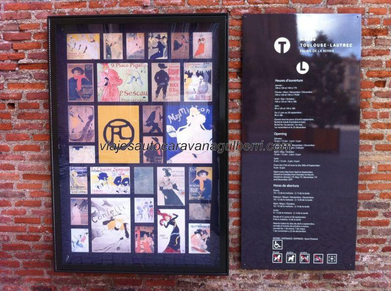 collage representativo de las principales obras de Henri Toulouse-Lautrec, a la entrada del palacio