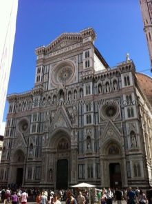 ahí está! el espléndido Duomo de Santa María di Fiore, grandiosa, en tamaño y esplendor, obra referencia del Renacimiento