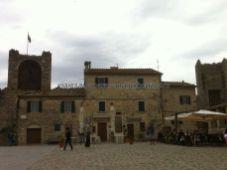 Italia 201409 Toscana Monterrigioni cf 11