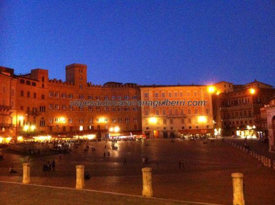 Piazza di Campo, por la noche
