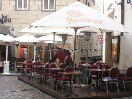 terrazas en calle Karlova