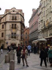 Casa del Sol (frente) y Princesa Libussa (derecha), calle Karlova